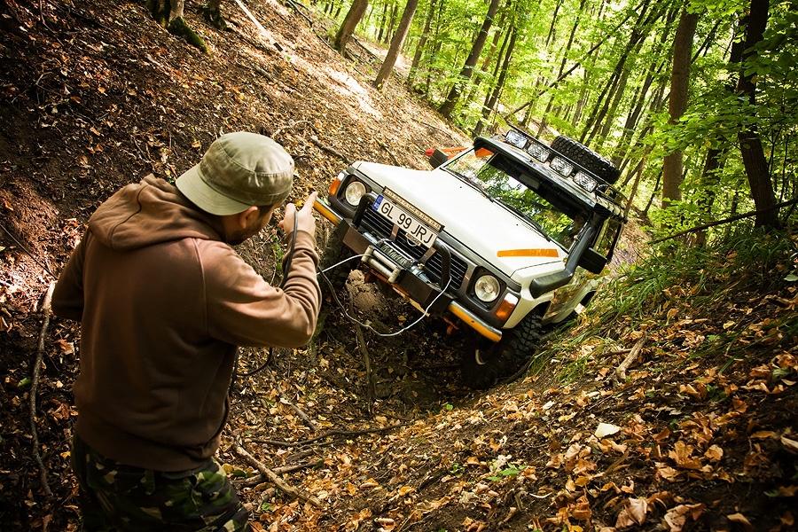 Atentie! Motor! Off-road!